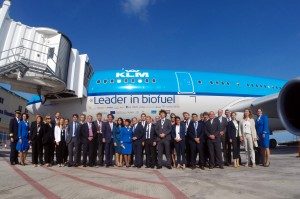 Delegation on first biofuel flight KLM